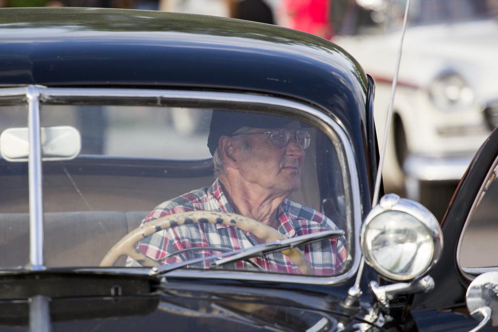 Налог на авто для пенсионеров: льготы по транспортному налогу